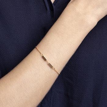 Linked armband