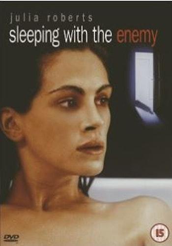 Sova med fienden  DVD (import med svensk text)