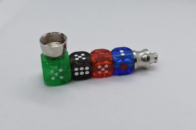 Metallpipa 8 cm (Tärningar)