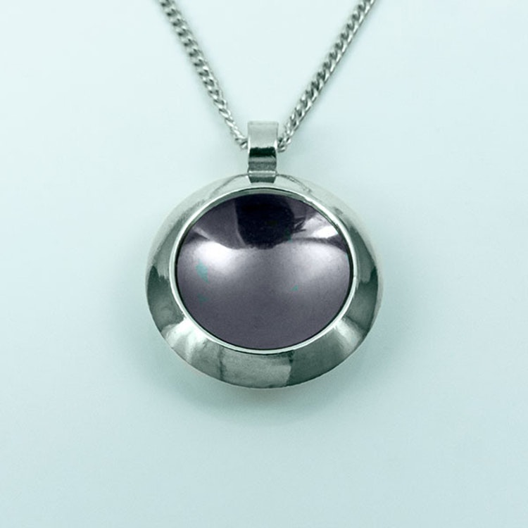 Silver hänge med oxidering - 19mm ø