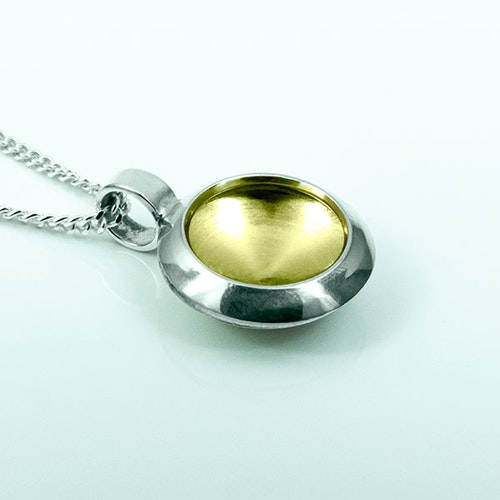 Silver pendent with gold plating - 13mm ø