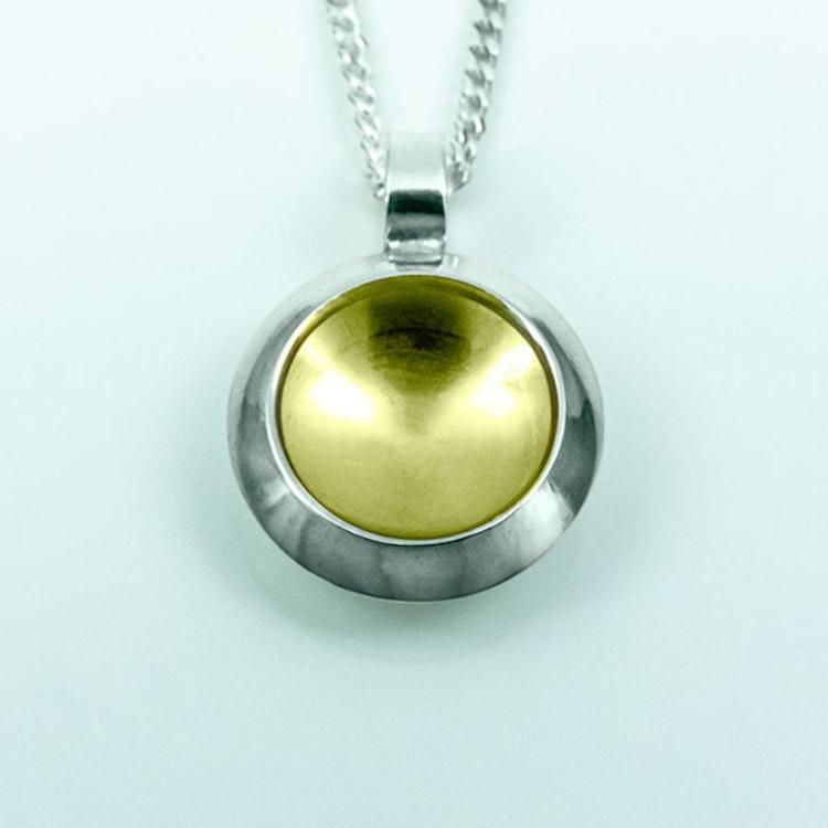 Silver hänge med guldplätering - 13mm ø