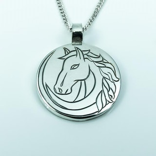 Hand-engraved horse pendent in silver
