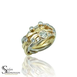 Vit- och rödgulds ring med diamanter
