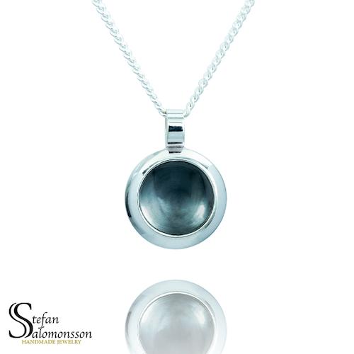 Silver hänge med oxidering - 13mm ø