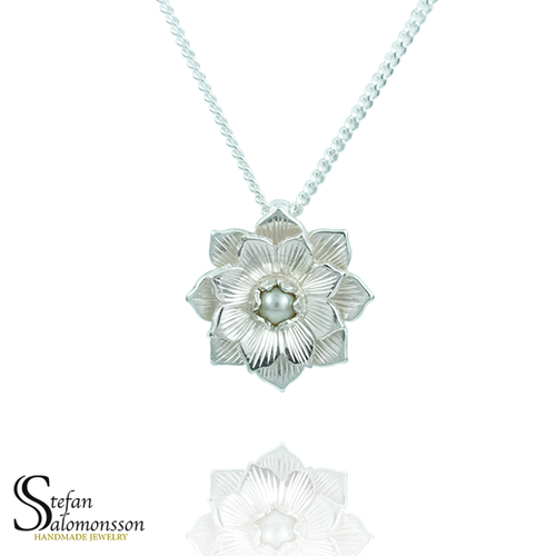 Silver lotus pendant with pearl