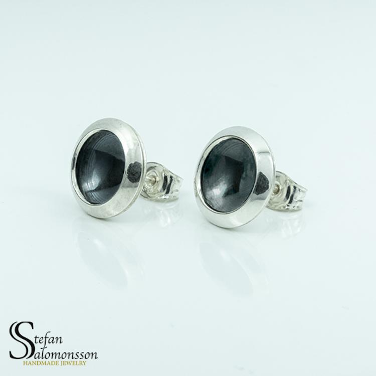 Silver örhängen med oxidering - 13mm ø