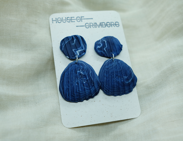 SHELL STUD • BLUE MARBLED