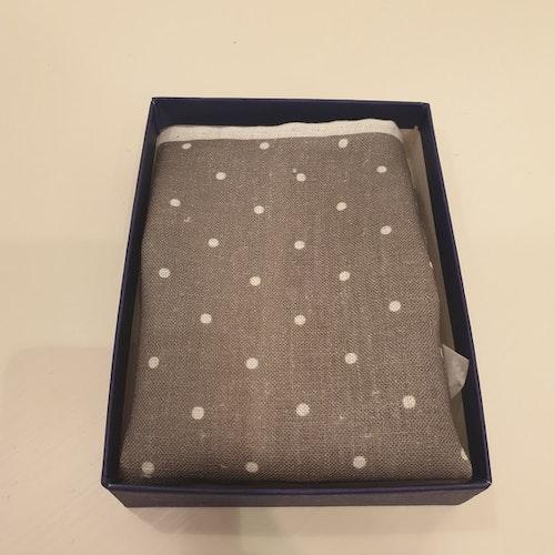 Näsduk - Grå med vita prickar