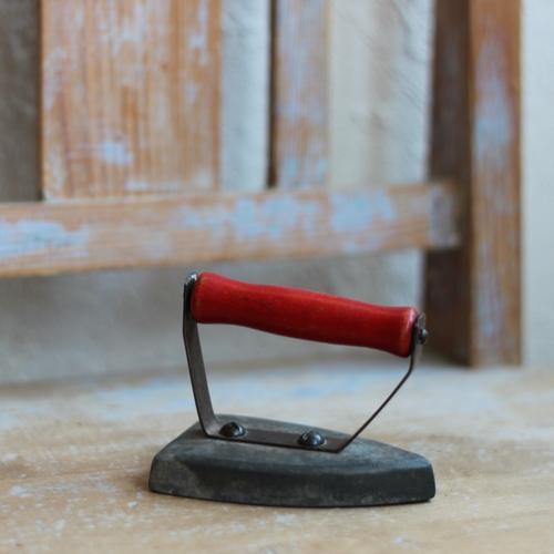 Leksak - Strykjärn med Rött Handtag