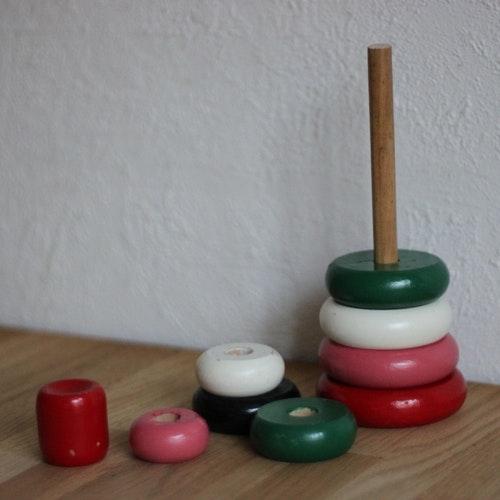 Staplingsleksak - Runda Ringar Mångfärgad