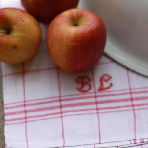 Handduk - Bomull Monogram BL Röd