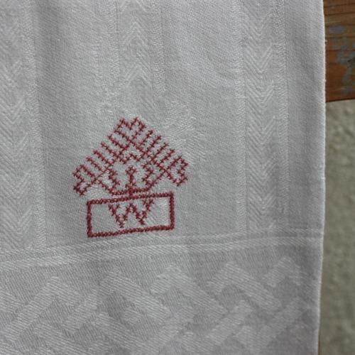 Handduk - Linne Monogram W Röd