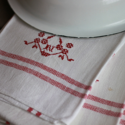 Handduk - Linne Monogram N Röd