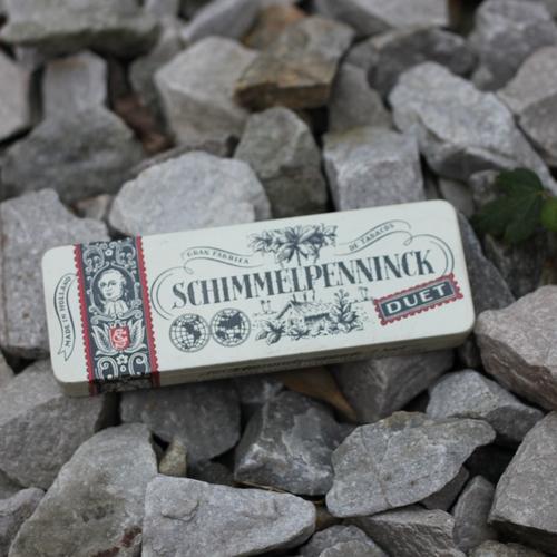 Plåtburk - Vit Svart med Text