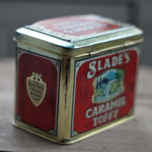 Plåtburk - Röd Guld med Motiv