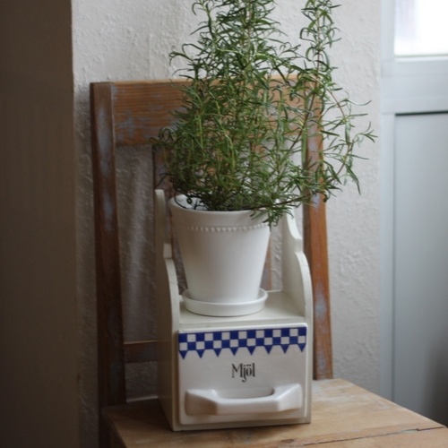 Förvaring - Porslinsskäppa med Blå Dekor i Hylla