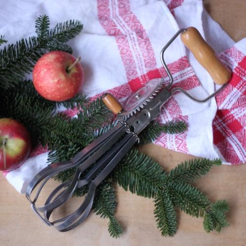 Köksredskap - Visp med Ljust Trähandtag