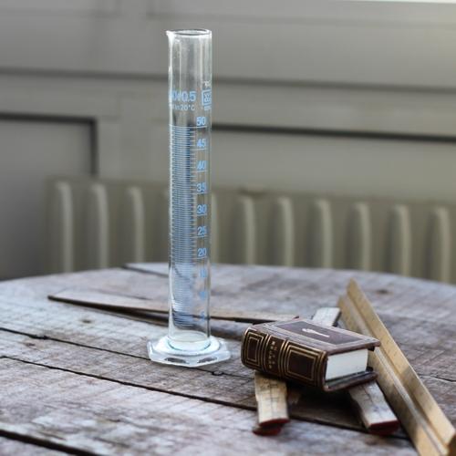 Inredning - Mätglas med Blå Text
