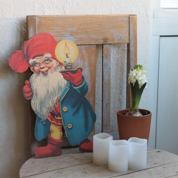 Tomte - Pappfigur i Blå rock och med Ljus