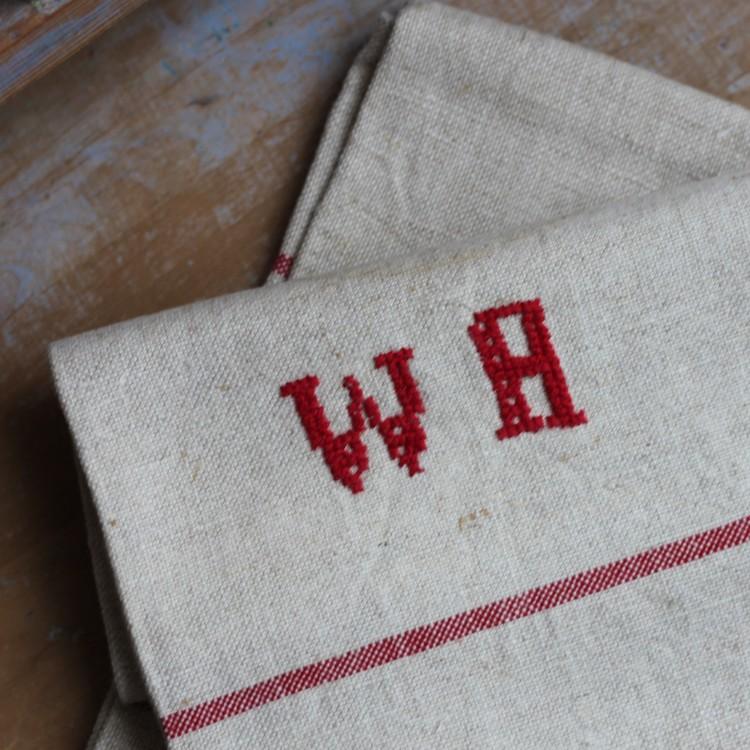 Handduk - Linne Monogram WA Röd