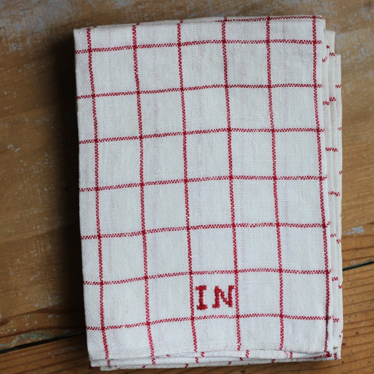 Handduk - Linne Monogram IN Röd