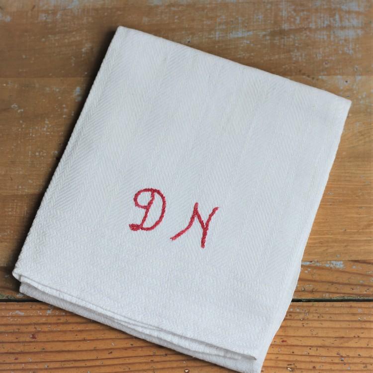 Handduk - Linne Monogram DN Röd