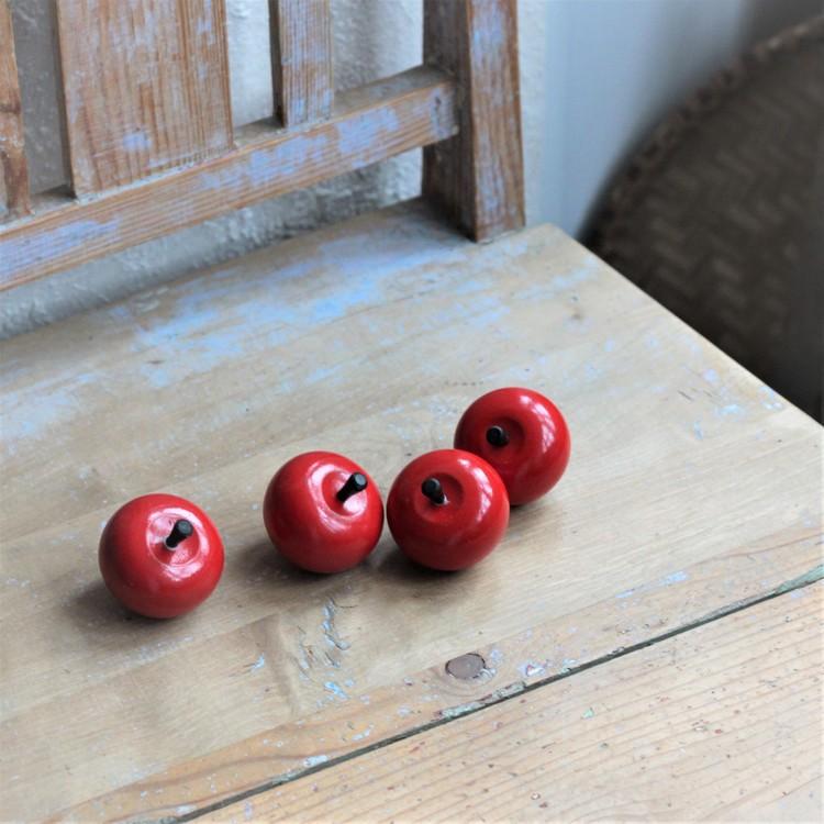 Trääpple - Äpple Rött i Trä