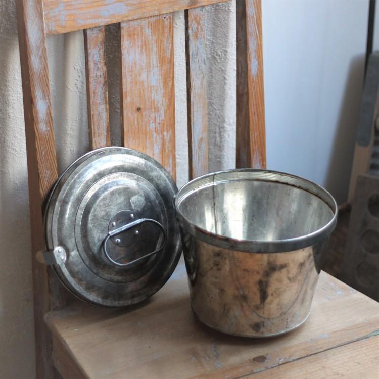 Form - i Metall med Lock