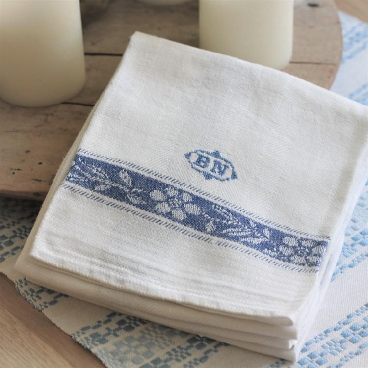 Handduk - Linne Blå Vit Monogram BN