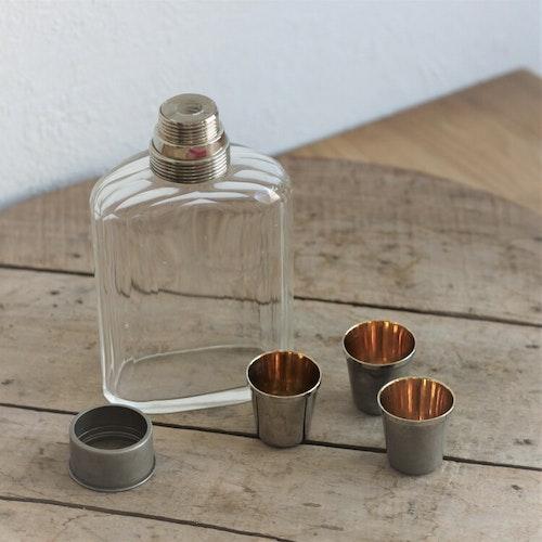 Flaska - Plunta med snapsglas
