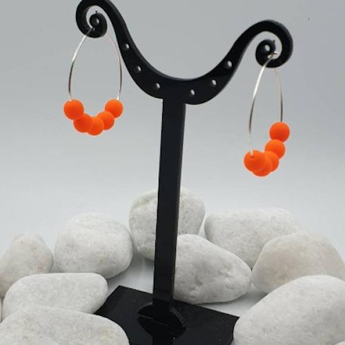 Örhänge. Halloween. Oranga bollar.