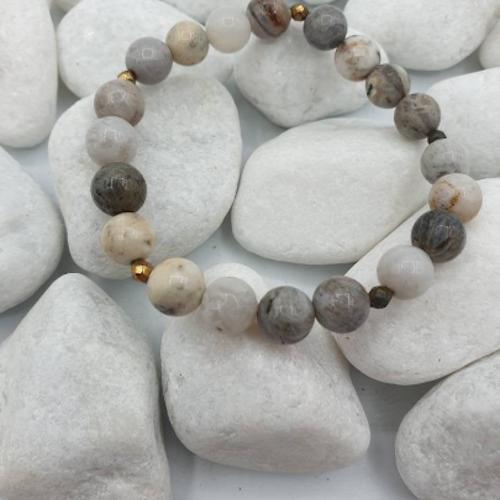 En stenig jord med Pärlor. 8 mm, 16 cm elastiskt