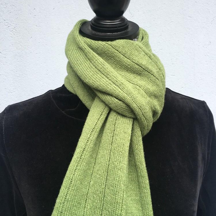 Halsduk Randig vårgrön