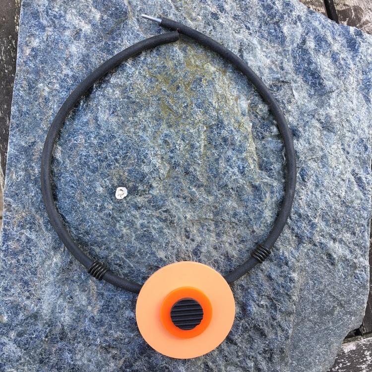 Halsband aprikos