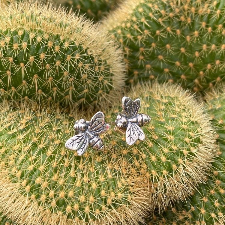 Örhänge Bee stift