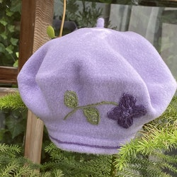 Baskermössa lavendel