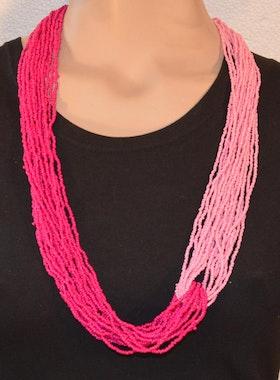 Moderiktigt halsband