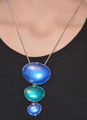 Häftigt halsband i blått