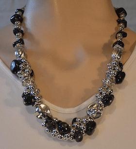 Häftigt halsband svart/silver