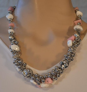 Halsband...... även i rosa/vit/silver