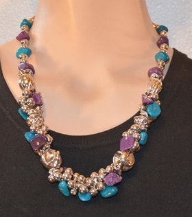 Halsband ....... även i turkos/lila/silver