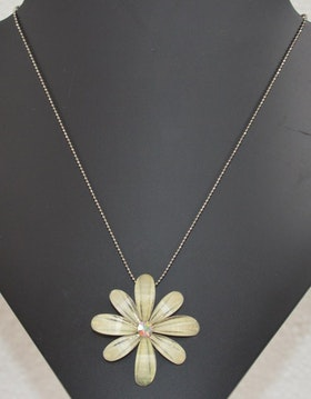Halsband blomma
