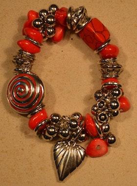 Armband röd m fina detaljer