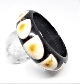 Stelt armband svart/vitt, av buffelben-/horn, E