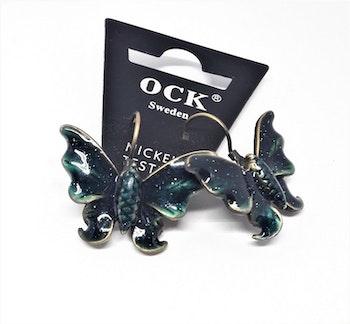 Emaljerat, örhänge i form av grön fjäril, ca 3 cm