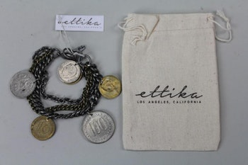 Handgjort armband med mynt berlocker, Ettika design, California
