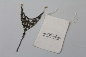 Handgjort handsmycke, Ettika design, California