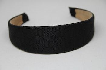 Svart diadem, 5cm, med svart mönster