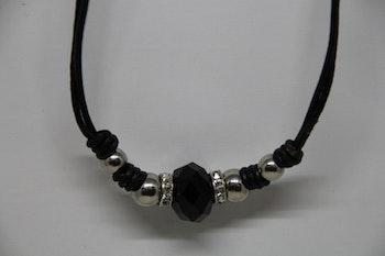Halsband, läderrem, 24 cm. Svart och silver